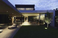 Barcelona Pavillion-inspired home - Richard Kerr Architects