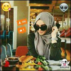 A Beautiful face covers with cute hijab Alexandra Golovkova, Muslim Culture, Beautiful Muslim Women, Muslim Hijab, Fashion Cover, Mode Hijab, Scarf Styles, Hijab Styles, Hijab Outfit