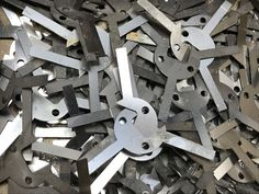 A fibre laser cutting machine is perfect for cutting out holes and profiles in spring stainless steel. The parts come out flat and burr free, ready for folding. Flat Shapes, Simple Shapes, Metal Manufacturing, Sheet Metal Work, Numerical Control, Laser Cutting Machine, Metal Panels, Shape And Form, Galvanized Steel