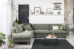 Bodilson Chili stof bank in 2019 Living Room Sofa, Interior Design Living Room, Home And Living, Living Room Designs, Living Room Decor, Living Spaces, Small Space Interior Design, Piece A Vivre, Furniture Design