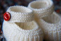 Teeny Tiny Mary Janes - Free Baby Shoes Knitting Pattern
