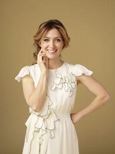Sasha Alexander plays Dr. Maura Isles on Rizzoli & Isles. She is a great actress.