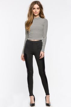 This is some simple shit, casual but classy and chic outfit 🖤 Casual Outfits, Girl Outfits, Cute Outfits, Fashion Outfits, Fashion Poses, Teen Fashion, Womens Fashion, Bridget Satterlee, Female Poses