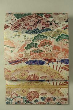 White gray classic pattern, maru obi / 灰白色地 吉祥古典柄 丸帯   #Kimono #Japan  http://www.rakuten.co.jp/aiyama/