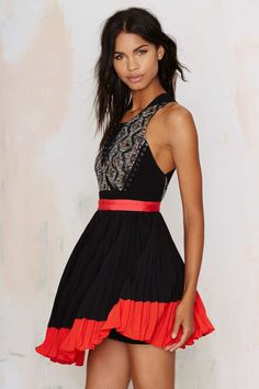 Three Floor Aztec Pleated Dress - Fit-n-Flare | Going Out » LOVE this dress.