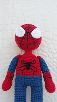 Amigurumi Spiderman Making - Tejer modelos Amigurumi Toys, Crochet Patterns Amigurumi, Crochet Dolls, Knitting Patterns, Crochet For Boys, Free Crochet, Crochet Doll Tutorial, Baby Rattle, Kawaii