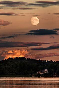 August moonlight | Flickr - Photo Sharing!