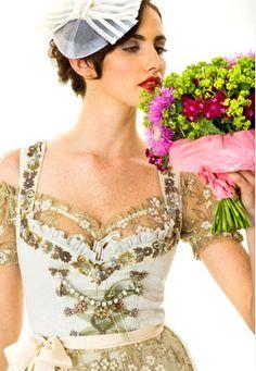 Another wonderful wedding dress. Münchner Hochzeitsdirndl