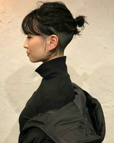 Pin on 刈り上げボブ Mens Hairstyles Thin Hair, Side Bangs Hairstyles, Hairstyles Over 50, Hairstyles Videos, Hair Bangs, School Hairstyles, Everyday Hairstyles, Prom Hairstyles, Braided Hairstyles