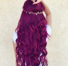 Cabello teñido color violeta lila fantasia