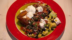 Gepofte zoete aardappels met Mexicaanse salsa - recept | 24Kitchen