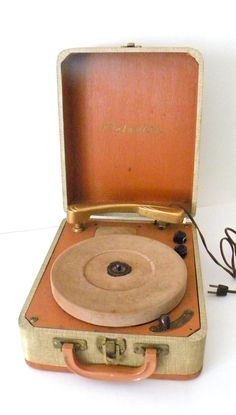1950s Columbia 312 Portable Record Player 3 by MissBettysAtti