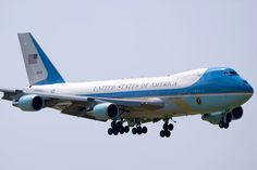 Boeing says it has Trump deal on Air Force One planes Us Air Force, Air Force Ones, 747 Jumbo Jet, First Plane, Boeing 747, Commercial Aircraft, Air France, Military Aircraft, Airplanes