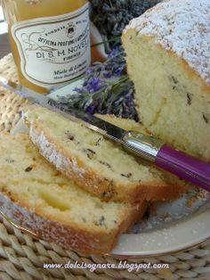 DOLCISOGNARE: Plum-cake al miele e fiori di lavanda