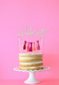 6 EASY CAKE DIYS FROM DECORATING, ICING AND MAKING YOUR OWN CAKE TOPPERS