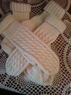 Купить Теплый комплект Носочки и варежки ( Альпака + Козий пух) - белый, однотонный