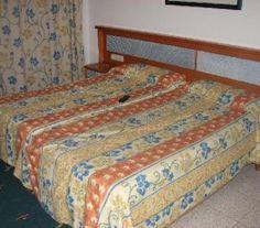 BI68943 - Mar del Plata  -  Costa Atlántica. Tipo: Hotel 2* Hab.: 60 - Categoría:2* - Estado: Muy bueno Sup. Cub.: 1.800 Mts2 - Terreno: 736.10 Mts2 Piso de madera flotante. Amplia cocina. Calefacción central. Tv. cable en habitaciones Abierto todo el año. Turbo-ventiladores. Room-serrvice.