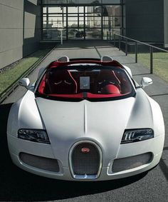 The Bugatti Veyron is one hell of a car. And there are so many variants, for what is already a stunningly unique car. Here are the Top 5 Special Edition Bugatti Veyrons. Whatever your personal tastes,...