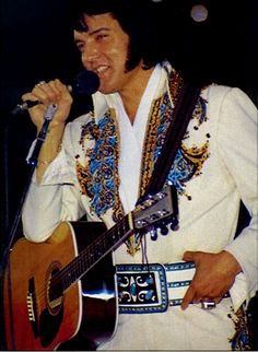 NOVEMBER 28 1976 Elvis performed at the Cow Palace, San Francisco, California at p. The crowd was 14300 and Elvis wore the 1974 Arabian suit with the V-neck suit belt. Elvis Presley Concerts, Elvis In Concert, Elvis Presley Photos, After Life, World Photo, Music Icon, Graceland, Photos Du, American Singers
