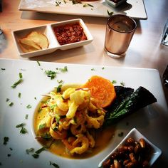 Dagens lunch — värd resan från kontoret på Södermalm till Hökarängen. #food #ceviche #delikat #seafood
