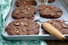 Das Rezept für Chocolate Snickers Cookies und weitere kostenlose Rezepte auf LECKER.de