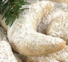 Best Holiday Cookie Recipe: Easy and Elegant Greek Wedding Crescents- melt-in-your-mouth richer-than- shortbread kourambiethes . Best Holiday Cookies, Holiday Cookie Recipes, Easy Cookie Recipes, Christmas Recipes, Icing Recipes, Gf Recipes, Recipies, Greek Sweets, Greek Desserts