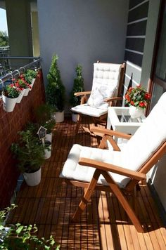 Do you need inspirations to make some Balcony Decorating Ideas in your Apartment? The balcony is a location where it is possible to relax and rest. If you intend to decorate your small apartment balcony, you can begin from the… Continue Reading → Small Balcony Design, Small Balcony Decor, Outdoor Balcony, Small Patio, Outdoor Decor, Balcony Ideas, Patio Ideas, Garden Ideas, Small Terrace