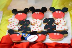 Customized cookies mickey mouse Custom Cookies, 2nd Birthday, Mickey Mouse, Desserts, Food, Center Pieces, Second Anniversary, Tailgate Desserts, Meal