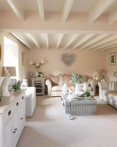 How to do modern country with a dash of danish – Hear what Colleen from West Barn Interiors has to s… – vintage life Cottage Living Rooms, Home Living Room, Living Room Designs, Cozy Living, Country Cottage Interiors, Country House Interior, House Interiors, Country Modern Home, Country Decor