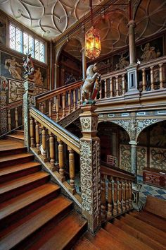 staircase from Knole castle in England Beautiful Architecture, Architecture Details, Interior Architecture, Grand Staircase, Staircase Design, Winding Staircase, Spiral Staircases, Victorian Interiors, Victorian Homes