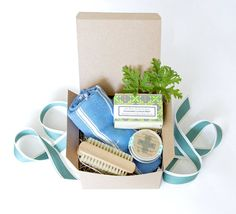 Mothers Day Gift Set for Gardeners.  This Gardener gift basket by the Little Flower Soap Co makes a great gift idea for MOM! All Natural Handmade soap and skin rescue balm come already gift wrapped with your custom gift tag message so you can send it directly to your favorite gardener.