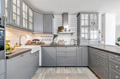ikea kjøkken boligstyling grått COlours and counters - LOve EP Kitchen Sets, Kitchen Layout, Home Decor Kitchen, Country Kitchen, Bodbyn Kitchen Grey, Grey Kitchens, Home Kitchens, Grey Ikea Kitchen, Grey Kitchen Designs