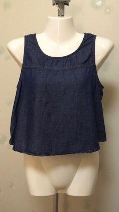 Crop top jean été springfield de marque springfield. Taille 38 / 10 / M à 8.00 € : http://www.vinted.fr/mode-femmes/hauts-and-t-shirts-crop-tops/36685106-crop-top-jean-ete-springfield.