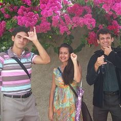 Sign language preaching in Brazil - See more @ JW.org in 300 languages including Portuguese and also Sign Language. - Photo shared by @portocaique courtesy via address below photo