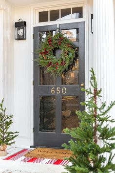 🌟Tante S!fr@ loves this📌🌟Colonial Christmas Outdoor Wreath Decor + Giveaway - Bless'er House The best shop for realistic looking artificial Christmas wreaths and a traditional colonial style home exterior decorated for the holidays. Christmas Signs, Outdoor Christmas, Christmas Decorations, Holiday Decor, Christmas Porch, Rustic Christmas, Christmas Holiday, Xmas, The Doors
