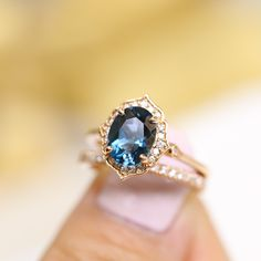 Look at these simple engagement rings! Blue Wedding Rings, Wedding Rings Simple, Wedding Rings Solitaire, Beautiful Wedding Rings, Beautiful Engagement Rings, Wedding Rings Vintage, Dream Wedding, Bridal Rings, Perfect Wedding