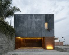 espacio 18 + cueto present a wood cladding house with spatial fluidity in mexico
