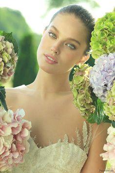 Emily DiDonato Beauty by Cristina Sagnier Emily Didonato, Most Beautiful Faces, Beautiful Eyes, Beautiful Women, Gorgeous Lady, Modelo Emily, Western Wedding Dresses, Girls World, Bridal Beauty