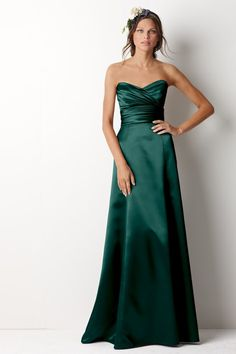 @Allison j.d.m D.McT Laudolff check out this whole board of emerald wedding stuff!
