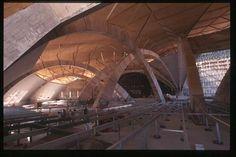 Padre Pio Church, 2004, architect: Renzo Piano Padre Pion kirkko, 2004, arkkitehti: Renzo Piano