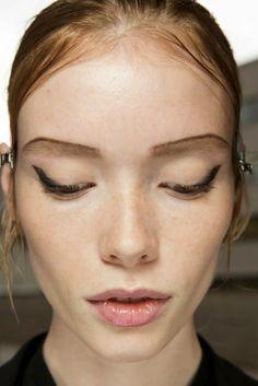 Dr.Makeup : Брови Prada. Макияж с показа весна 2015. Spring 20...