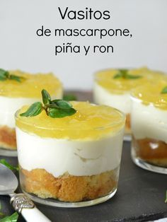 La imagen puede contener: comida y texto Dessert Shots, Dessert In A Jar, Dessert Cups, Dessert Recipes, Tapas, Mini Cheesecakes, Mini Cakes, Cakes And More, Sweet Recipes
