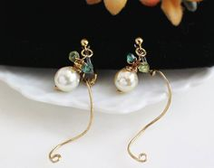 Etsy のClip On Earrings, Akoya Baroque Pearl, Gold Curling Clip, Pearl Drop Clip On, Invisible Clip On, Non Pierced Earrings, Ear Jacket Clip On(ショップ名:LesBijouxSoboku)