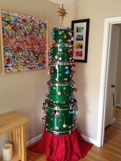 Are you tired of decorating the same old tree every year? If you're ready to get creative this holiday season, here are creative DIY Christmas tree ideas. Unusual Christmas Trees, Diy Christmas Tree, Christmas Time, Christmas Decorations, Holiday Decor, Xmas Tree, Red Tree, Music Furniture, Drum Room