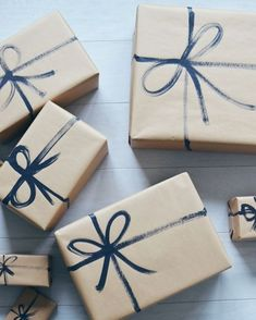 7 Beautiful and Cheap Christmas Gift Wrapping Ideas .- 7 Beautiful and Cheap Christmas Gift Wrapping Ideas – Write Your Story - Cheap Christmas Gifts, Christmas Gift Wrapping, Holiday Gifts, Christmas Crafts, Birthday Wrapping Ideas, Christmas Christmas, Homemade Christmas, Simple Christmas, Gift Wrapping Ideas For Christmas Diy
