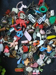 Cracker Jack charms, I had a lot of these on a charm bracelet, got lost… Vintage Love, Retro Vintage, Cracker Jacks, Baby Boomer, Oldies But Goodies, My Childhood Memories, Retro Toys, My Memory, Antique Toys