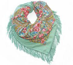 ALLA – russischer Schal in pastellgrün   Shop à la Russe