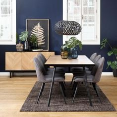 Møbler i egefinér i sildebensdesign Dining Chairs, Dining Table, Furniture, Home Decor, Lily, Modern, Dining Chair, Dinning Table, Interior Design