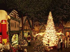 Bavaria- Käthe Wohlfahrt offers a year-round Christmas experience - Cultural Highlights in Bavaria - Arts, culture & heritage - Things to do