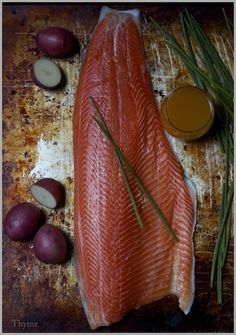 Thyme: Pan-Roasted Salmon Fillets in Mango Juice Raw Food Recipes, Wine Recipes, Seafood Recipes, Great Recipes, Raw Protein, Mango Sauce, Roasted Salmon, Best Food Ever, Salmon Fillets
